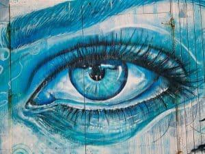 Eye drawing shaded blue using grid drawing